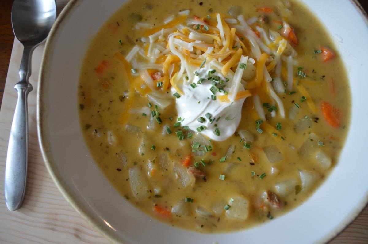 cheesy potato & sausagesoup